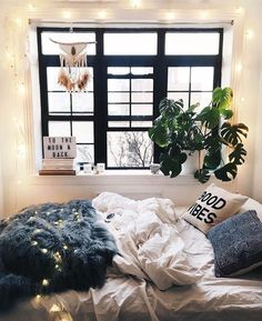 Here are some doable living room decor and interior design tips that will make your home cozy and comfortable for family and friends. Dream Rooms, Dream Bedroom, Home Bedroom, Bedroom Decor, Bedroom Inspo, Bedrooms, Bedroom Ideas, My New Room, My Room