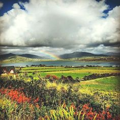 Rainbow over Valentia Island, one of Ireland's most westerly points lying off the Iveragh Peninsula in the south-west of County Kerry Ireland Landscape Dans notre blog beaucoup plus d'informations https://storelatina.com/ireland/travelling #ఐర్లాండ్ #irlandia #beach #Ierland Ireland Landscape Fir Informatiounen Zougang zu eisem Site https://storelatina.com/ireland/travelling