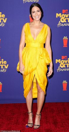 Mandy Moore dons yellow dress at MTV Movie & TV Awards, three months after giving birth | Daily Mail Online Dandelion Yellow, Tv Awards, Mandy Moore, Yellow Dress, Mtv, Movie Tv, Chelsea, Sari, Mail Online