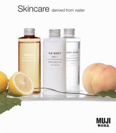 "Muji. Enkelt, men ikke ""high tec"" design. Frukt for gi inntrykk av/fremheve naturlige ingredienser."
