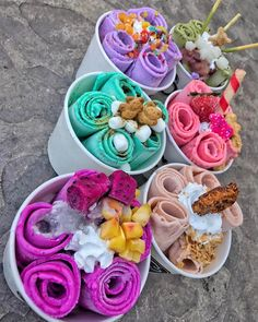 Lets talk about the fact that its Monday. Now let's talk about that fact that you need all these rolled ice cream in your life! Cute Desserts, Delicious Desserts, Dessert Recipes, Yummy Food, Ice Cream Taco, Kreative Desserts, Tumblr Food, Rainbow Food, Aesthetic Food