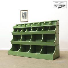 Wall Shelves Design, Storage Shelves, Shelving, Cubbies, Furniture Makeover, Cool Furniture, Do It Yourself Design, Rustic Vintage Decor, Showroom Interior Design