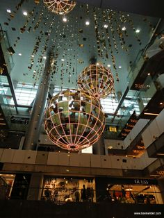 mall decoration, pinned by Ton van der Veer