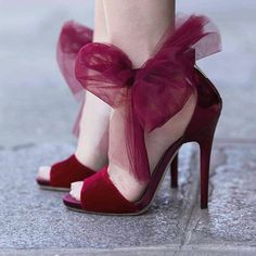 Jimmy Choo these are so cool and vintage looking Bow Sandals, Bow Shoes, Pump Shoes, Shoes Heels, Sandal Heels, Pretty Shoes, Beautiful Shoes, Crazy Shoes, Me Too Shoes