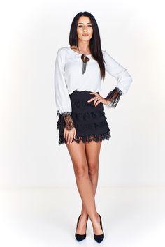 Dámská elegantní mini sukně s krajkou. Lace Skirt, Trendy, Skirts, Fashion, Tunics, Moda, Fashion Styles, Skirt