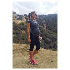 Claudia Sampedro.. #stylethebump #fitbump #hiking