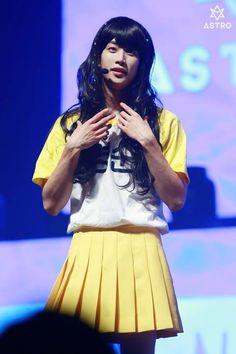 MJ is a pretty girl Kpop Amino, Istanbul Film Festival, Shared Folder, Cha Eun Woo, Smile Everyday, Sanha, Actors, Big Love, Minhyuk