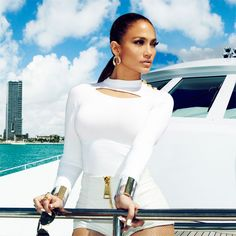 Catch Jennifer Lopez at the Padang Stage at the 2014 FORMULA 1 SINGAPORE AIRLINES SINGAPORE GRAND PRIX