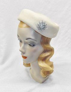 50s 60s Vintage Beige Felt Pillbox Hat with by MyVintageHatShop