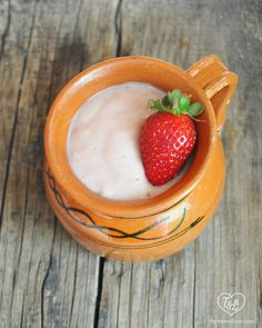 Keep warm during the Winter with a traditional Mexican hot beverage: Strawberry Atole {Atole de Fresa}. Vegan Gluten Free, Vegan Vegetarian, Vegan Goulash, Soup Recipes, Vegan Recipes, Chorizo Recipes, Raisin Muffins, Rhubarb Muffins, Chorizo Soup