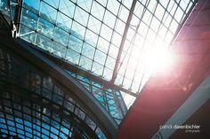 Berlin Hauptbahnhof - 300.000 Reisende pro Tag.  #berlin #deutschebahn #db #berlinhbf #architecture #berlinlovers #berlin365 #travel #bytrain #train #eco #emissionsfrei #grueneenergie #instagood #follow By Train, Berlin, Louvre, Instagram, Building, Travel, Central Station, Viajes, Buildings