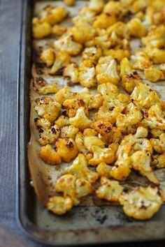 Cheesy vegan roasted cauliflower made paleo-friendly with nutritional yeast is a simple and easy healthy side dish, perfect to go alongside any main entree. This cheesy vegan roasted cauliflower wi…
