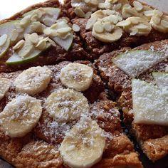 Plecy zajechane z samego rana, a dziś wjechał omlet z truskawkowym izolatem białka od @formotiva i płatkami owsianymi posmarowany masłem orzechowym od @olimp_sport_nutrition , a na to banan lub gruszka z płatkami migdałów lub wiórkami kokosowymi 😍  Jutro barki 🔥💪🏼 #bodybuilding #diet #eatclean #fit #fitness #foodporn #followme #gymlife #gymlove #instafood #l4l #omellete #formotiva #muscularshopteam #lvgym  Yummery - best recipes. Follow Us! #foodporn