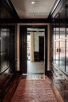 Delancey Street Townhouse storage in Philly: Ashli Mizell