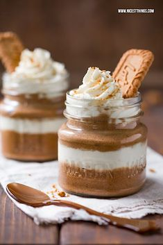 Lotus Biscoff, Layered Desserts, Mini Desserts, Fall Desserts, Biscuits Lotus, Mousse Dessert, Creme Dessert, Mousse Caramel, Desserts In A Glass