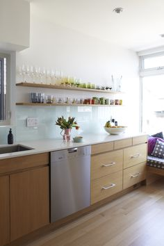 The Marion House Book Glass Backsplash Kitchen, Glass Kitchen, Kitchen Dining, Kitchen Decor, Kitchen Ideas, Bright Kitchens, Home Kitchens, Kitchen Installation, Kitchen Storage