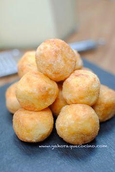 Bolitas de Patatas con queso.En la receta original las enharinada con harina de trigo,en mi caso lo hago con harina de arroz.