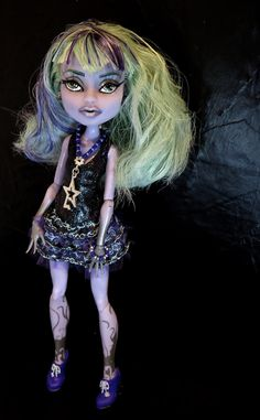 Monster High OOAK Repaint Custom Twyla by AnaElaOOAK on Etsy
