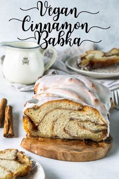 This Vegan Babka is basically like a cinnamon roll, shaped as babka. Totally worth your time and attention! Vegan cinnamon babka is so delicious! Vegan Breakfast, Healthy Breakfast Recipes, Breakfast Ideas, Healthy Recipes, Cinnamon Babka, Vegan Dessert Recipes, Vegan Sweets, Vegan Food, Bread Recipes
