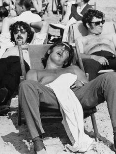 Blackpool Beach 1970 Fotografie-Druck von Shirley Baker bei AllPosters.de