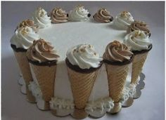 Cornet Cake for Sister's Birthday (Hazelnuts, Chocolate and Whipped Cream) Cakes To Make, Cakes And More, How To Make Cake, Cake Decorating Frosting, Birthday Cake Decorating, Marble Cake Recipes, Dessert Recipes, Desserts, Crazy Cakes