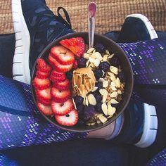 Wist je dat gezonde voeding niet altijd gezond is? Huh? Voordat je gaat sporten heeft je lichaam andere behoeftes. Deze voeding kun je dan beter vermijden!