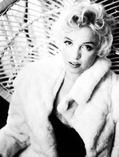""" Marilyn Monroe in 1956 © Cecil Beaton. """