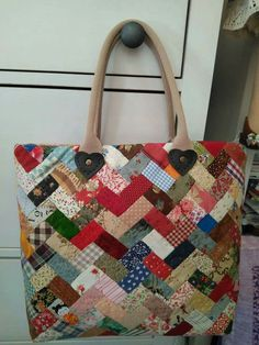 Pin by Suratnee Maneesang on My works Quilted Tote Bags, Quilted Handbags, Patchwork Bags, Rag Quilt Purse, Japanese Bag, Linen Bag, Bag Patterns To Sew, Fabric Bags, Cloth Bags