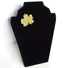 $24.00 Brooch-Pendant Green Maple Leaf/ Broche Colgante Hoja Verde de Arce