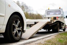 Poznaj podstawowe zasady bezpieczeństwa podczas holowania samochodu na https://blog.feuvert.pl/