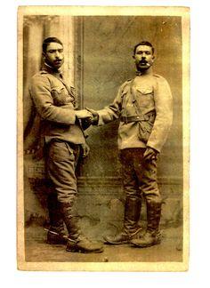 irmãos almeirinenses em tempo de guerra - foto gentilmente cedida pela neta de Joaquim Correia (dir.) [sem data]