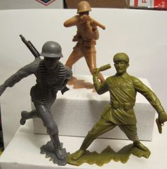 MARX BATTLEGROUND PLAYSET RUSSIAN GERMAN JAPANESE 6 INCH PLASTIC TOY SOLDIERS #MARX