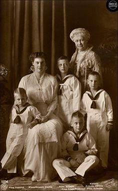 Duchess Cecilie of Mecklenburg-Schwerin, Crown Princess of Germany with her four sons Friedrich, Wilhelm, Louis Ferdinand & Hubertus of Prussia; & mother-in-law Augusta Viktoria of Schleswig-Holstein. Wilhelm Ii, Kaiser Wilhelm, Princess Victoria, Queen Victoria, Germany And Prussia, Adele, Royal King, Friedrich, Victoria And Albert