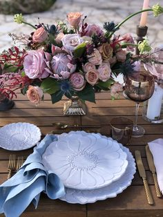 #weddingcenterpieces #kefalonia #gardenroses #roses #proteas #dustypink #flowers #bosonis Wedding Arrangements, Wedding Centerpieces, Dusty Pink, Your Favorite, Reception, Wedding Day, Roses, Table Decorations, Flowers