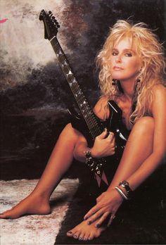 Apprenez à jouer de la #guitare comme #Lita #Ford sur www.MyMusicTeacher.fr !