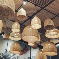 สุ่มเยอะเลย~ เขาเรียกสุ่มหรือฝาชี ว๊ะ 😂😂😂 Bamboo Lamp, Ceiling Lights, Lighting, Pendant, Home Decor, Decoration Home, Light Fixtures, Room Decor, Pendants