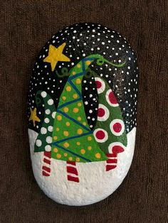 50 DIY Christmas Rock Painting Ideas (5)