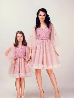 Seturi mama-fiica - Hira Design - Handmade Romania Girls Dresses, Flower Girl Dresses, Formal Dresses, Wedding Dresses, Dusty Pink, Satin, Handmade, Romania, Design
