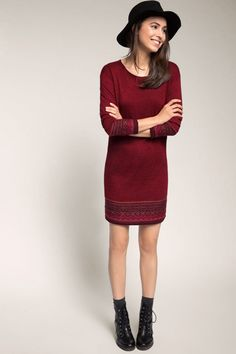 Jacquard-Strickkleid von ESPRIT EDC. Und noch einmal huldigen wir der Trendfarbe des  Jahres 2015: Das wunderschöne Strickkleid macht  es uns mit seinem intensiven Marsala-Farbton, der aufwendigen Jacquard-Webart und dem superweichen  Material-Mix aber auch ziemlich leicht! Wer möchte in  diesem angesagten Kleid nicht gerne stilsicher durch  Herbst & Winter spazieren!?