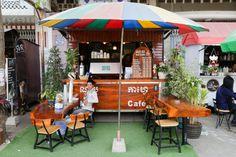 Our Foodie Favorites // Battambang Cambodia Battambang Cambodia, Best Places To Eat, Fine Dining, Good Food, Restaurant, Outdoor Decor, Blog, Life, Diner Restaurant