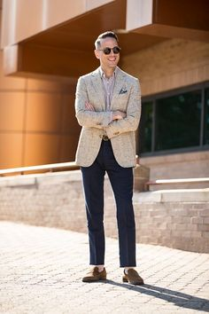 Casually Tailored Summer Office Attire Done Right