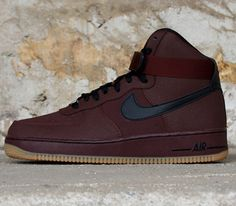 "Nike Air Force 1 Hi ""Barkroot Brown"" - EU Kicks: Sneaker Magazine Sneakers Mode, Sneakers Fashion, Fashion Shoes, Nike Sneakers, Nike Run, Sports Footwear, Sports Shoes, Baskets, Sneaker Magazine"