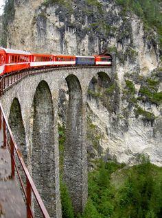 Glacier Express--Switzerland Best Train Journeys in the World | Know UR Ledge