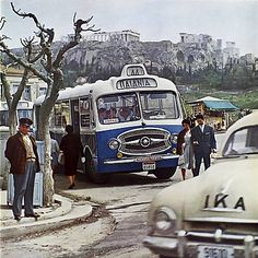 Athens 1962, Old Photos, Vintage Photos, Kai, Greece Pictures, Athens Greece, My Childhood Memories, Greek Islands, Historical Photos, The Past