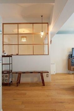 window wall between living room and kitchen for natural light Interior Windows, Cafe Interior, Interior Design Living Room, Interior Decorating, Living Room Designs, Fake Walls, Inside Home, Muji Home, Japanese Interior