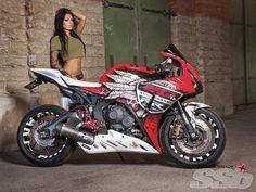 Quinton Stanfield's 2012 Honda Fireblade Custom   If Looks Could Kill
