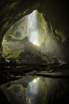 World's Largest Cave Son Hang Doong, National Park Phong Mha Ke Bang, Vietnam. # Nature landschaft Explore the Inside View of World's Largest Cave, Son Hang Doong All Nature, Amazing Nature, Photos Of Nature, Earth Photos, Beautiful World, Beautiful Places, Simply Beautiful, Wonderful Places, Amazing Places