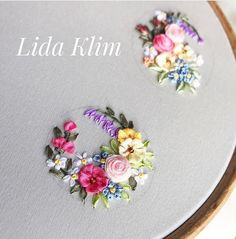 Crystal Embroidery, Embroidery Jewelry, Embroidery Hoop Art, Embroidery Stitches, Embroidery Patterns, Ribbon Embroidery Tutorial, Hand Embroidery Flowers, Silk Ribbon Embroidery, Ribbon Art