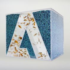 themadeshop: Made Shop Adobe Remix Day 1: FISHBOWL On the first day of the work week we decided to turn the Adobe cube into a fishbowl. Sta...