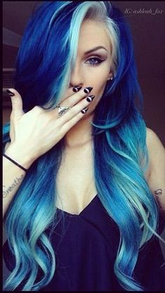 Are you looking for dark blue hair color for ombre and teal? See our collection full of dark blue hair color for ombre and teal and get inspired! Love Hair, Gorgeous Hair, Dye My Hair, New Hair, Grunge Hair, Cool Hair Color, Blue Hair Colors, Bright Colored Hair, Wash Out Hair Color